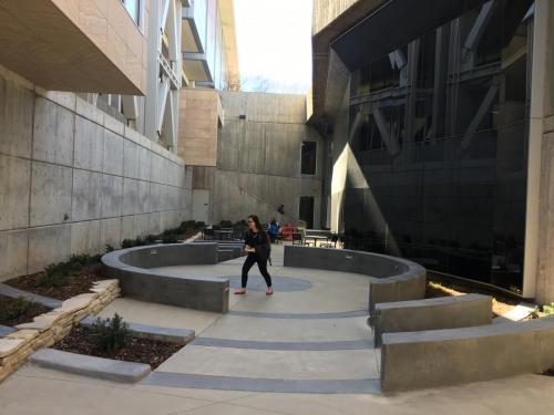 Katherines-courtyard2